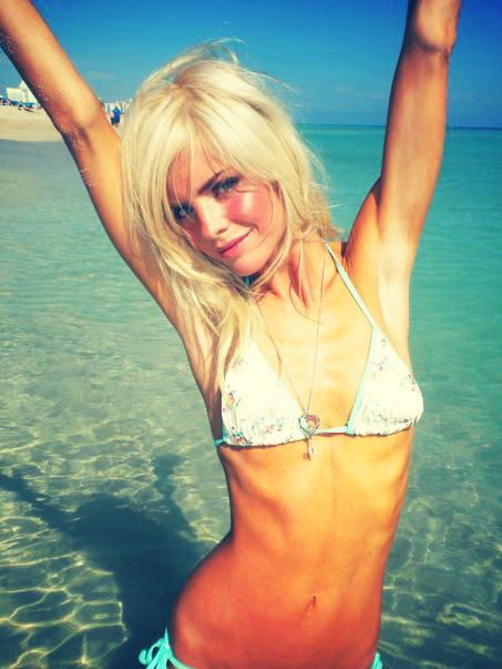 Прикрепленное изображение: anorexic-beach-beautiful-bikini-blonde-Favim.com-136424.jpg