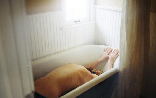 Прикрепленное изображение: bath-bones-love-nacked-prey-Favim.com-178458.jpg